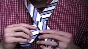 یادگیری بستن گره کراوات