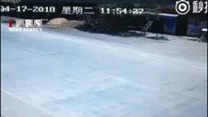 تصادف شدید موتورسیکلت با کامیون