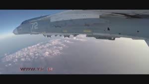 لحظه پرتاب بمبهای هدایت شونده توسط جنگنده روسی