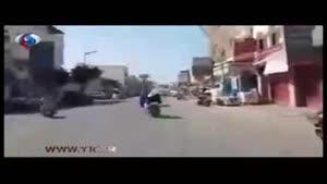 الحوثی سوار برموتور در خیابان های یمن