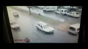لحظه انفجار خودروی بمب گذاری شده در ازمیر ترکیه