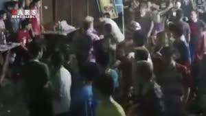 حمله تایلندیها به توریستهای انگلیسی