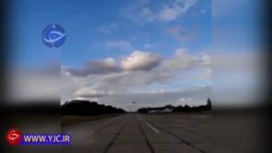 پرواز جنگنده سوخو در ارتفاع پایین