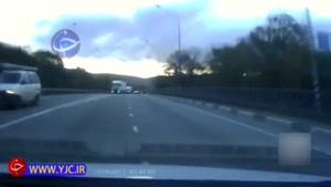 رانندگی خطرناک در جاده باعث تصادف شد