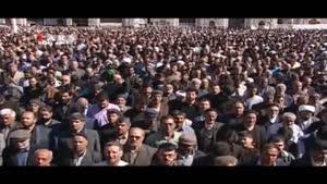 اقامه نماز بر پیکر آیتالله واعظ طبسی به امامت رهبر معظم انقلاب