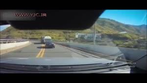 تصادف هولناک موتورسوار در اتوبان