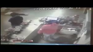 کشته شدن صاحب فروشگاه به ضرب چاقو در سرقت دسته جمعی