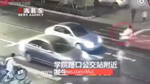 خودکشی دختر چینی وسط خیابان و بیتفاوتی مردم!(۱۸ )