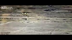 فیلم/ هدف قرار گرفتن مواضع داعش توسط بالگرد ارتش عراق