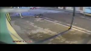 فرار راننده خودرو پس از شاخ به شاخ مرگبار با موتورسیکلت