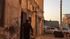 فیلم/یورش وحشیانه نظامیان آل خلیفه و پرتاب بمب به داخل منازل