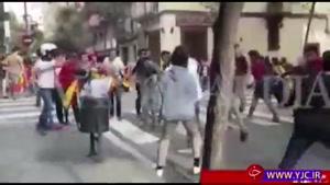 درگیری موافقان و مخالفان جدایی کاتالونیا از اسپانیا در خیابان های بارسلون