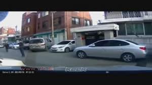 لحظه انفجار خودرو بمب گذاری شده در بغداد