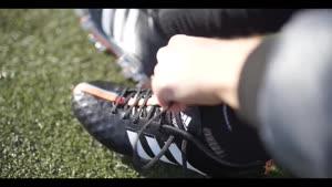 تمرینات و کفش های مخصوص فوتبال