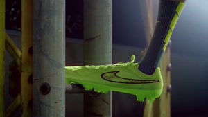 جرارد پیکه در انیمیشن تبلیغاتی نایک