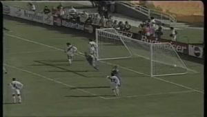 برد تیم ملی دانمارک از تیم ملی پرو در سال ۱۹۹۷