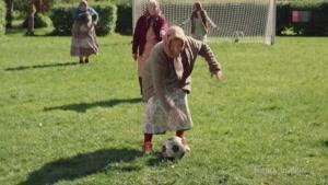 باخت جالب فوتبالیست های برتر دنیا از مامان بزرگا !!