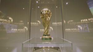 بازدید یواخیم لو از موزه ی جام جهانی