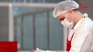فرآیند آماده سازی مواد اولیه رستوران های عطاویچ