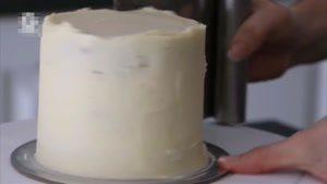 تزیین کیک با مروارید