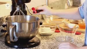 آشپزی با تاتیانا - کیک شکلاتی با اسانس پرتقالی تک نفره