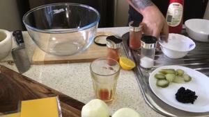 طرز تهیه همبرگر ذغالی