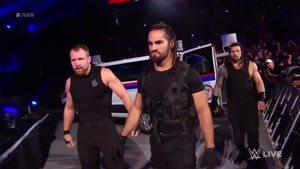 مبارزه کشتی کج درگیر شدن کل اعضایی RAW با گروه شیلد