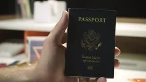بررسی گوشی قدرتمند و جدید بلک بری پاسپورت.