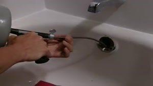 نحوه باز کردن لوله وان حمام - akhavaniran.com