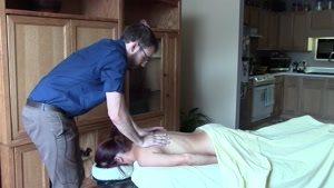 ورزمان- ماساژ در منزل-ماساژ درمانی-آموزش ماساژ-ماساژ بدن-ماساژ سویدی-ماساژ کمر2