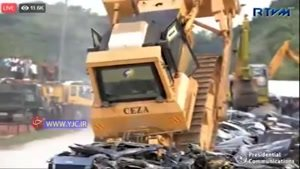 نابودی خودروهای لوکس قاچاق در فیلیپین