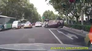 تصادف خیلی جالب با سرعت کم...