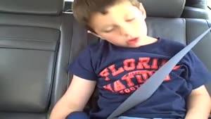 پسر بجه بعد از دندانپزشکی :)))