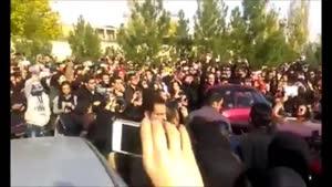 تجمع مردم روبروی بیمارستان بهمن برای مرتضی پاشایی