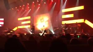 کنسرت بابک جهانبخش - به تو اعتمادی نیست
