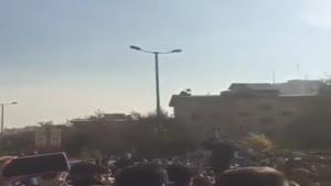 تجمع مردم و همخوانی آهنگ مرتضی پاشایی