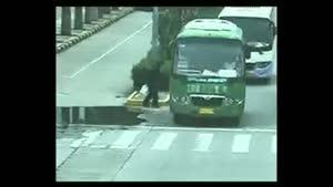 یک تصادف جالب با کامیون حتما ببینید.