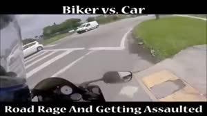 موتور سوار و راننده ماشین