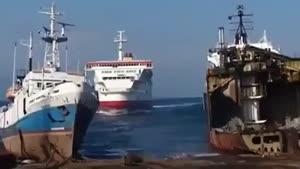 به گل نشستن کشتی با سرعت بالا