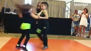 رقص حرفه ای دو کودک