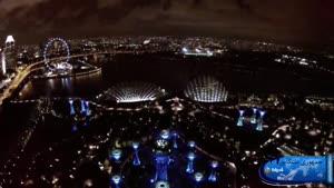 نمایی زیبا از محیط شهری سنگاپور در شب