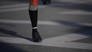 طناب بازی دختر ورزشکار