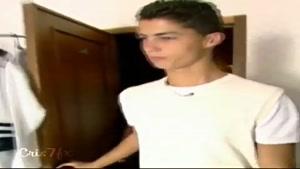 گوشه ای از زندگی یک قهرمان که جام جهانی با تیم ملی فوتبال ایران بازی داره👌😍