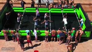 ویدئو فوتبال دستی انسانی در استخر با بازی ستاره های اینستاگرام
