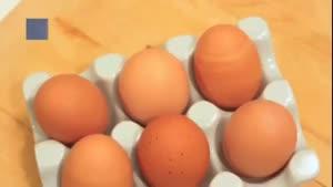 پختن کیک داخل تخم مرغ