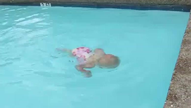 فسقلی شناگر