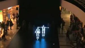 رقص روباتی بسیار زیبا و مهیج