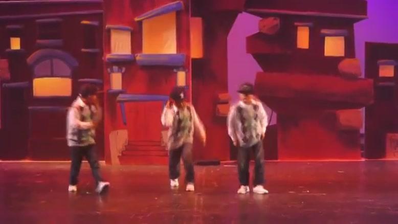 رقص ۳ نوجوان