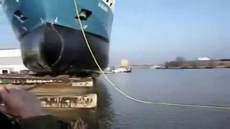 به آب انداختن کشتی