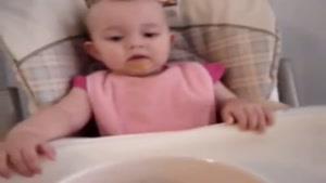 دختر بچه با نمک